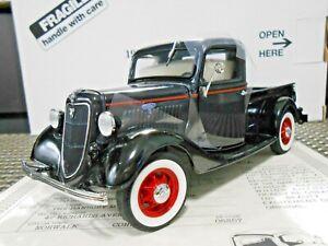 """Danbury Mint 1:24 1935 Ford Pickup Truck """"Dearborn Blue/Black"""""""