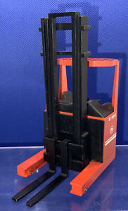 NZG Modelle BT Reach Forklift Truck RT 1350 E - 1:25 Scale MODEL PLEASE READ.