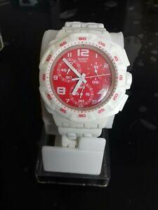 """Swatch Chrono Modèle """" Red Purity """" SUIW406 Année 2010 Utilisé avec chronographe"""