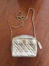 Chanel Mini Bolso de oro