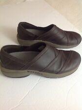 e4b18e8e0aa8 Womens MERRELL Size 8.5 Espresso Brown Leather Slip On Clogs Shoes