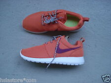 WMNS Nike Air Roshe Run 44 Trf Orng/Brght Mgnt-S Spry-Whi