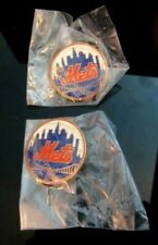 LOT OF 2 MLB NEW YORK METS PINS NEW