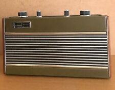 Vintage Roberts RIC 2 transistor radio in green and working