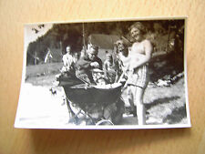 Foto (206) Gruppe mit Kinderwagen