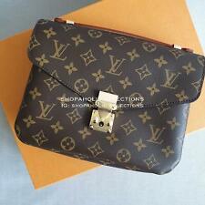 Louis Vuitton Monogram Canvas Pochette Metis Hand Bag M40780