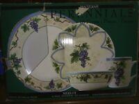 16 pc PFALTZGRAFF MERLOT stoneware dinnerware set