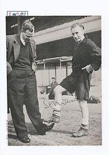 STANLEY MATTHEWS ENGLAND 1934-1957 RARE ORIGINAL HAND SIGNED MAGAZINE CUTTING