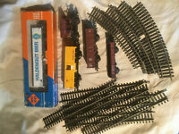 ROCO HO lot of 5 carriages wagon  and 10 rails