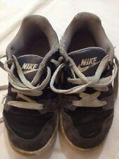 Nike - scarpe da ginnastica - N° 28 - nero grigio bianco - con stringhe - USATE