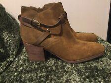 New Crown Vintage CVGABIANN Camel Brown Suede Ankle Booties Zipper Boots 9.5