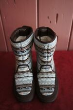 Skechers Women's Tone-Ups Chalet- Carve Midhigh Sweater Puff Boot SIZE 6 BLUE BR