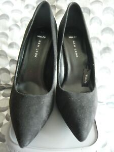 NEW.......New Look Black Suede Feel Shoes Size 7  Wide Fit  Cost £19.99