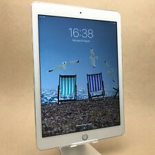 Apple iPad 5th Generation, 32GB, Wi-Fi, 9.7in - Silver, Retina, A1822