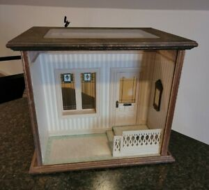 DOLLHOUSE MINIATURE ARTISAN ROOMBOX BLUETTE MELONEY CLASS