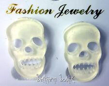 Goth : Boucles d' Oreille Clou Puce Tête de Mort BLANC Transparent Gothique