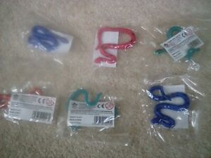 6 small plastic toy snakes -great for birthday party bags New & sealed