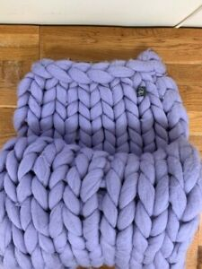 LARGE CABLE KNIT MERINO WOOL THROW - LILAC