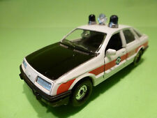 CORGI TOYS FORD SIERRA 2.3 GHIA - AMBULANCE LEGE - 1:36? - VERY GOOD CONDITION