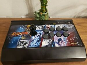 Madcatz Street Fighter X Tekken TE Arcade Fight Stick for PS3 and PC