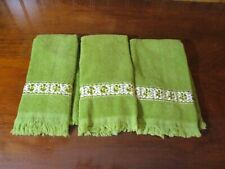 Vintage Mid Century Set of 3 Finger Towels - Cannon Royal Family Green & Gold
