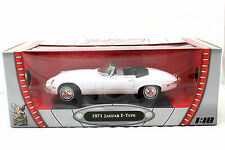 ROAD SIGNATURE 1971 JAGUAR E TYPE WHITE 1/18 DIECAST CAR 92608WT