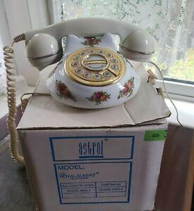 Vintage Royal Albert Old Country Roses Ceramic Telephone With Original Box