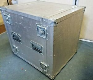 Flight Case 12U, with front and back rack strips
