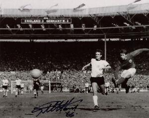 GEOFF HURST SIGNED 8x10 PHOTO 1966 ENGLAND WORLD CUP SOCCER LEGEND BECKETT BAS