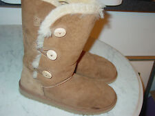 UGG Bailey Button Triplet Chesnut Model 1962 Boots! Size 6Y $189.95