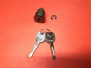 2005-2010 CHEVY COBALT TRUNK LID DOOR LOCK CYLINDER 2 KEYS USED OEM