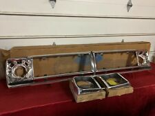 NOS 1970-1972 FORD TRUCK GRILLE W/ BEZELS F100 F250 70 71 72 FoMoCo D0TZ-8200-D