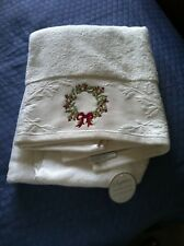 Sophia White Bath Towel w Holiday 