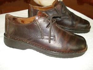Clarks Active Air US Size 9.5 Burgundy Comfort Shoes