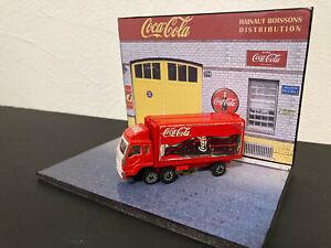 1/87 Camion de Livraison Coca-Cola rouge BE avec ouvrants + diorama Coca 1/43