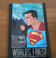 Comic Book BATMAN & SUPERMAN WORLD'S FINEST Book 10  January 2000 DC Comics