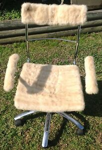 OFFICE GAS LIFT CHAIR WITH FLUFFY SEAT COVERING - LIKE NEW