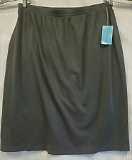 Womens black skirt 2x elastic waist pack seam with center split nwt C.D. Daniels