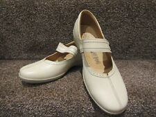 Ladies Loretta Cream Leather shoes size UK 6