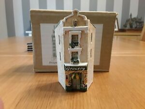 Lilliput Lane .. THE GROCERY .. Dominique Gault .. RARE TO FIND .. Boxed