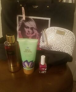 VS tote & make up bag,  2 shower gels and nail polish.