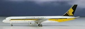 Aeroclassics AC419897 Singapore Airlines B757-200 9V-SGM Diecast 1/400 Jet Model