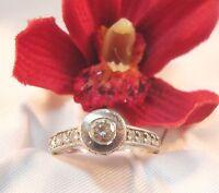 Reizvoller Ring mit weißen Steinen 925 er Silber Fingerring Silber / Art. rr 163