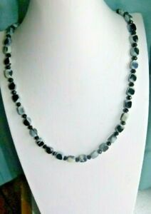 JEWELLERY BEAUTIFUL NECKLACE OF BLACK & GREY GLASS & CRYSTAL VINTAGE BEADS 369