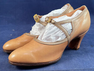 Unworn 1920s Vintage Sautters NY Beige Leather Gold Buckle Strap Mary Jane Shoes