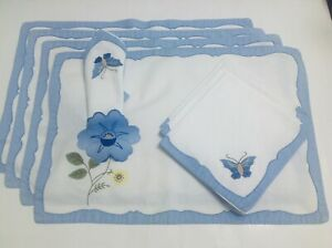4 Appliqued White Table Place Mats and Matching Napkins Embroidery Vintage