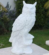 Statue, hibou moyen-duc sur roche en pierre reconstituée, ton pierre blanche