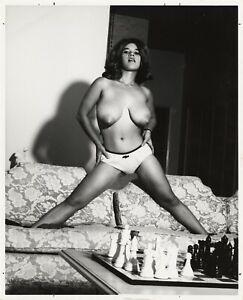 Vint Nude Brunette Girl Posing 99224 Glossy Photo