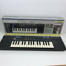 Casio Model SA-20 Electronic Keyboard 100 Sound Tone Bank Piano Original Box