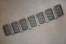 2014-18 JEEP GRAND CHEROKEE PLATINUM AND BLACK FRONT GRILLE INSERTS OEM